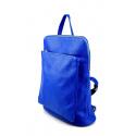 Väčšia moderná sýto modrá kožená kabelka a batoh 2v1 Aveline 2v1